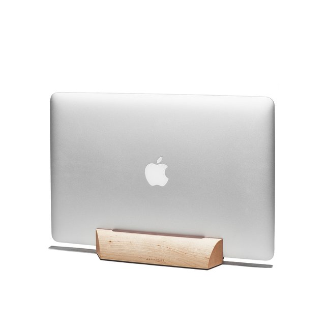 Maple MacBook Dock - 15-INCH-MACBOOK-PRO-RETINA-OCTOBER-2016